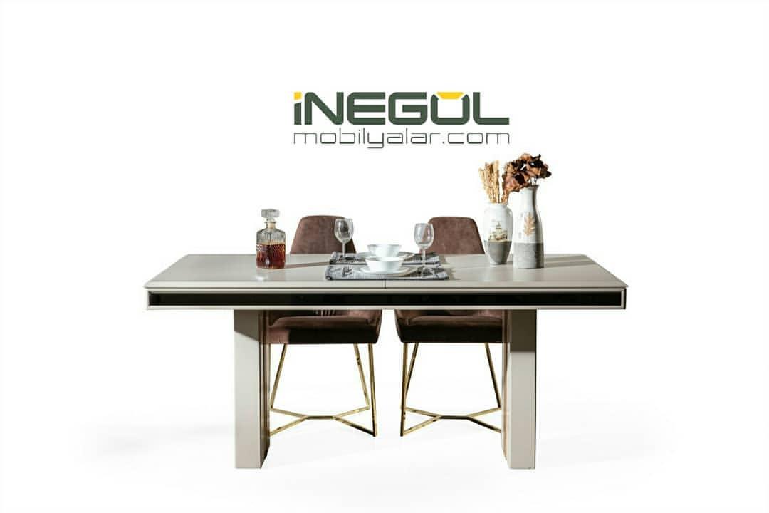 Mega Yemek Masası