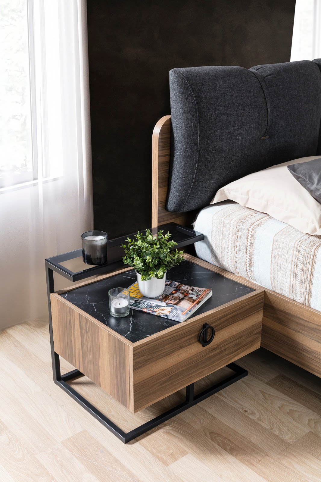Cool Yatak Odası Komidin